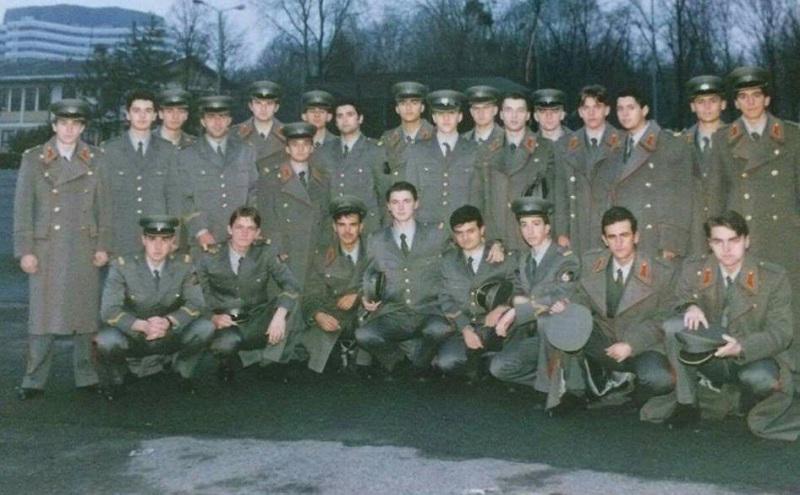 Предраг Леовац (стоји први с лијева) као питомац Војне академије